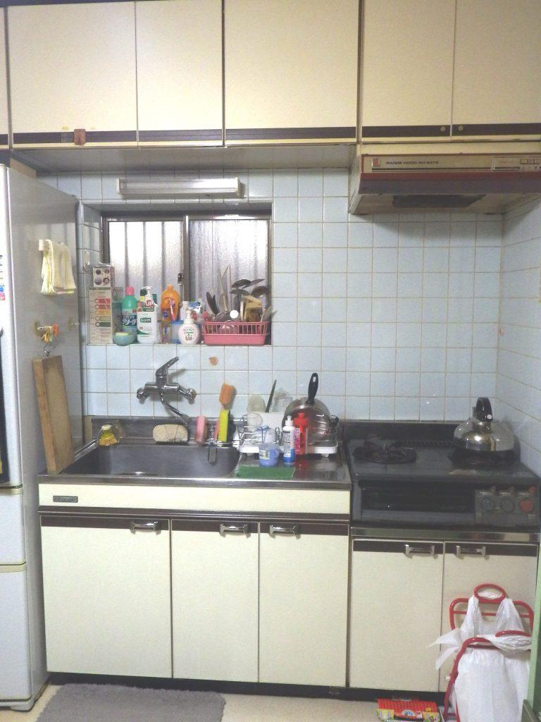 Before 収納が足りなかったキッチン
