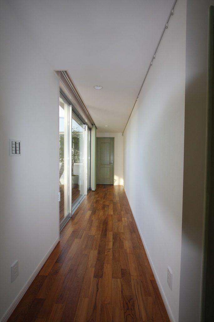 子供部屋と主寝室をつなぐ廊下