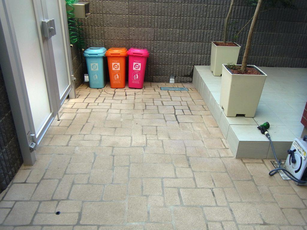 After 石で出来た様なコンクリート床の完成!!