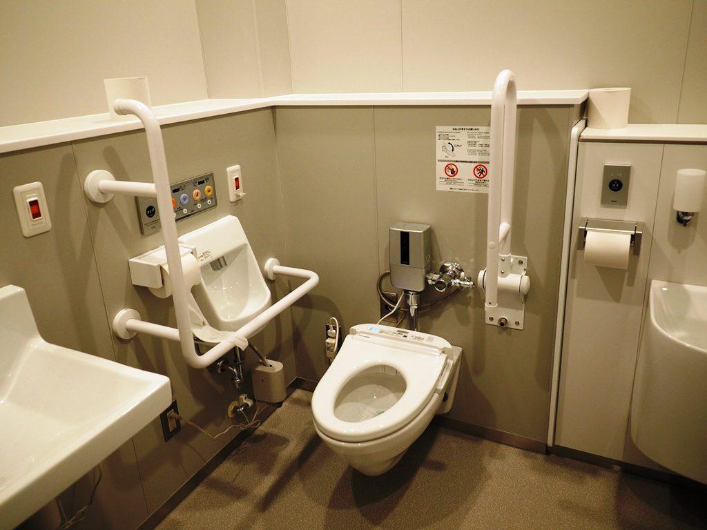 多目的用トイレ