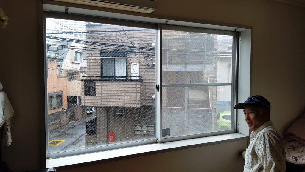 窓枠の塗装
