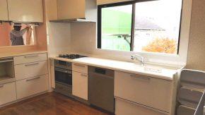 AEGの食洗機を搭載したカウンター収納付きキッチン!
