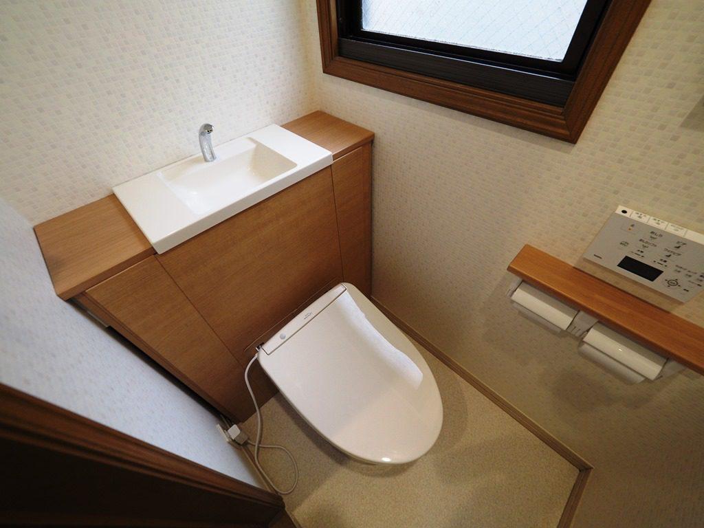 手洗い一体型トイレ。