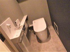 フローリングの張り替え、トイレの交換 (中野区マンションリフォーム)